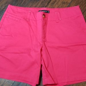 NWOT LEE MID RISE FIT MATERIAL SHORTS A160
